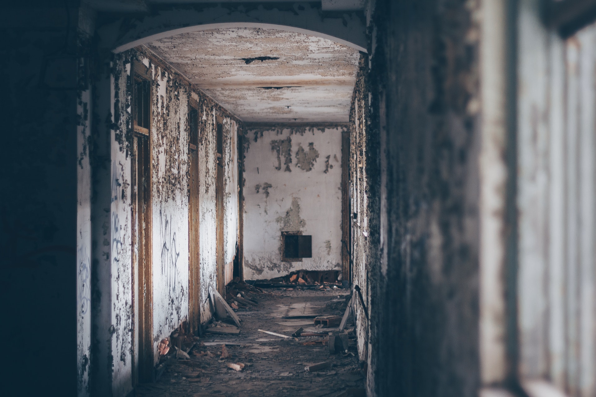 12 Real Paranormal Stories from Nurses